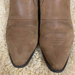 Durango Shoes - Vintage Soft Brown Suede Western Ankle Booties 9.5